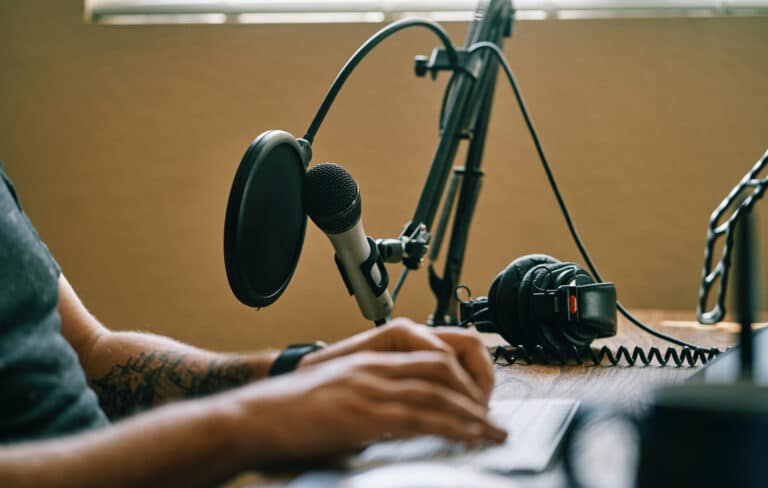 7 productivity podcasts you need to listen to